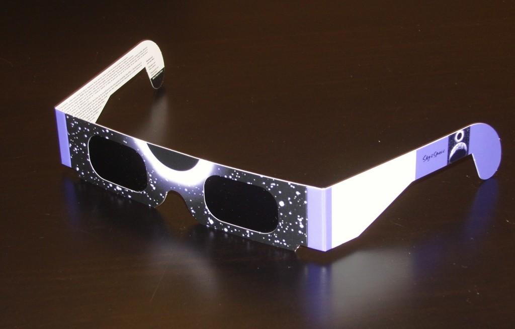 lunettes eclipse 1024x655 Léclipse de soleil du 4 janvier : tout pour en profiter, en toute sécurité