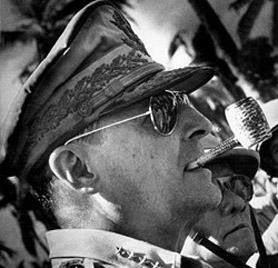 Douglas MacArthur Ray Ban Aviators La chasse au Rayban est ouverte